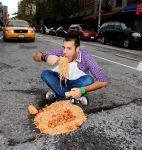 Weird People do Weird Things (56 pics) - Izismile.com