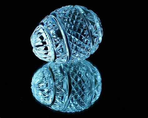 photo crystal egg cut glass  image