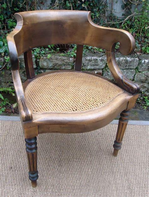 fauteuil de bureau ancien beau fauteuil ancien de style louis philippe en noyer
