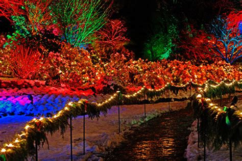 pictures vancouver canada  year butchart gardens