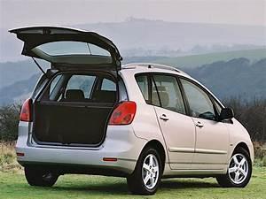 Toyota Verso Dimensions : toyota corolla verso specs photos 2002 2003 2004 autoevolution ~ Medecine-chirurgie-esthetiques.com Avis de Voitures
