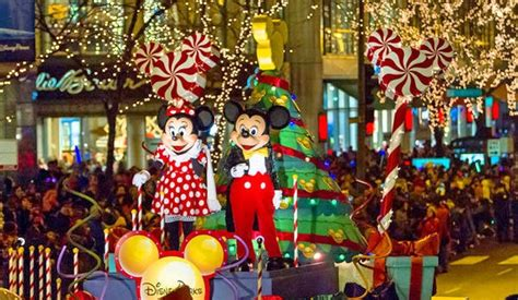 magnificent lights parade 2017 the magnificent mile lights festival the guesthouse hotel