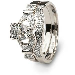 claddagh wedding ring set claddagh engagement ring meaning wedding inspiration