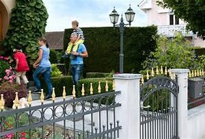 Zäune Und Tore : gartenzaun fachgerecht montiert gartenzaun kaufen z une und tore von zaunteam zaunteam ~ Eleganceandgraceweddings.com Haus und Dekorationen