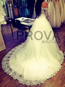 Location de robe de mariee orientale dentelle a lyon for Robe de mariage orientale