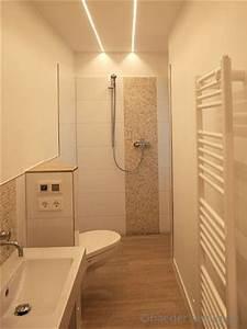 Kleine Waschmaschine Maße : das bad hat die ma e 3 65m x1 10m die geflieste dusche hat eine ablaufrinne die holzdekor ~ Markanthonyermac.com Haus und Dekorationen