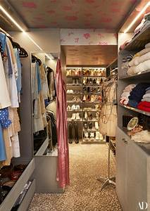 Dressing New York : carole radziwill s closet her mother in law s famous sofa the simply luxurious life ~ Dallasstarsshop.com Idées de Décoration