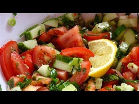 gurken und tomaten salatrezept tomaten gurken salat mit minze einfachkochen rezept tipp