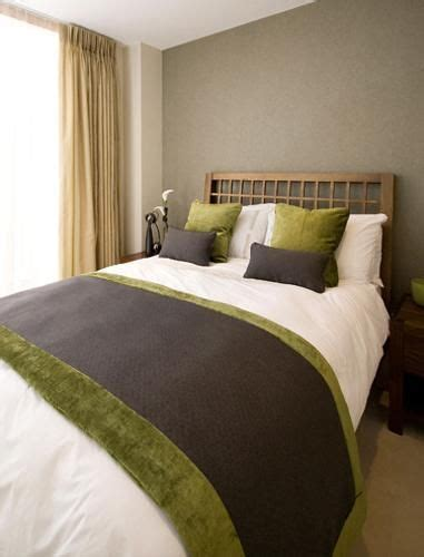 Bedroom Designs Green And Brown by 25 Best Ideas About Green Brown Bedrooms On