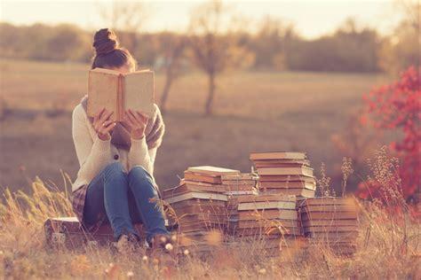reading books   smarter richer  surprisingly