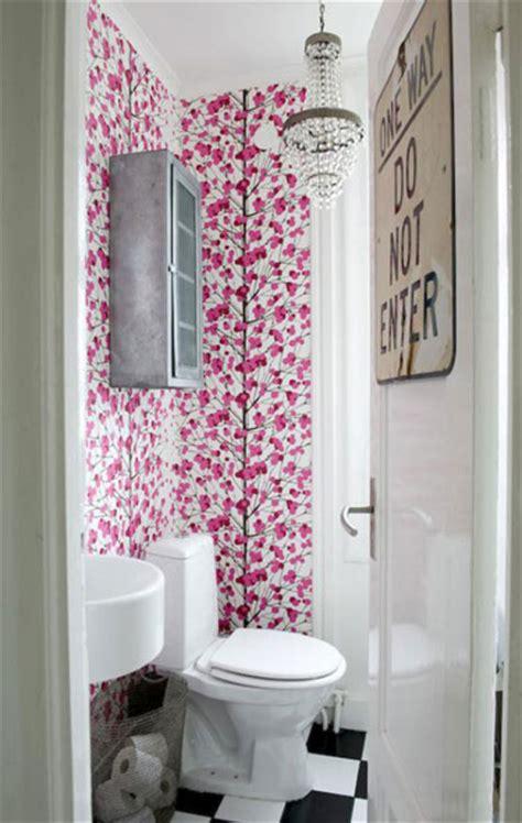 Bathroom Wall Flowers by Mninimalist Small Bathroom With Flower Wall Decor