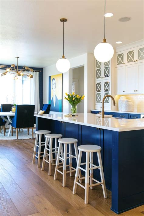 kitchen islands with chairs best 25 kitchen island stools ideas on island