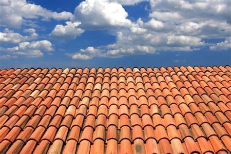 renovation toiture bien choisir les tuiles de son toit