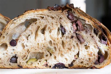 Bukë Shtëpie me Ullinj - E Plotë Në Shije Dhe Aromë - AgroWeb