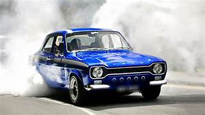Mk1 Ford Escort Burnout On The Street