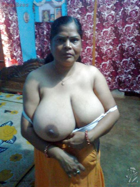Nepali Saree Moti Aunty Nude Photos In Bra And Petticoats