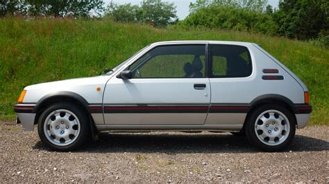 This Peugeot 205 GTI just sold for a world record price ...