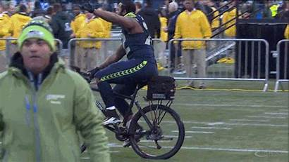 Michael Bennett Win Police Seahawks Rides Bicycle