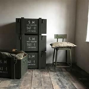 Objet Deco Style Industriel : objets design et industriels lampes d 39 atelier horloge de gare chaises enseignes et projecteurs ~ Melissatoandfro.com Idées de Décoration