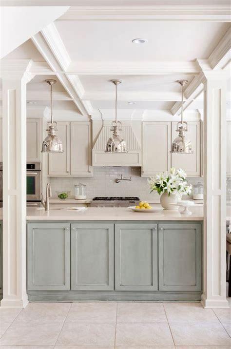 kitchen cabinets images pictures 31 best antique white kitchen cabinets images on 6117