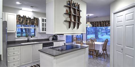 kitchen cabinet trends to avoid 9 kitchen trends to avoid because they ll never last 7967