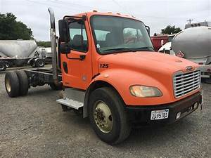 2005 Freightliner M2 106 Single Axle Cab  U0026 Chassis Truck