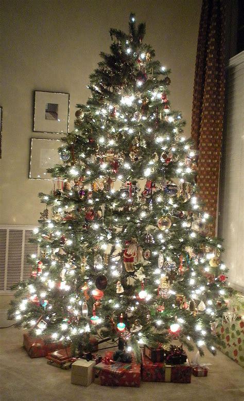 christmas tree decorated whith words o tree lyrics songs decoration ideas