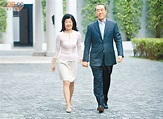 唐英年三擺老婆上枱事件簿 - 東方日報