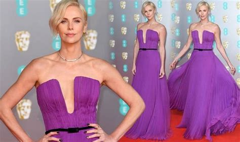 Charlize Theron: Bombshell actress turns head in daringly ...