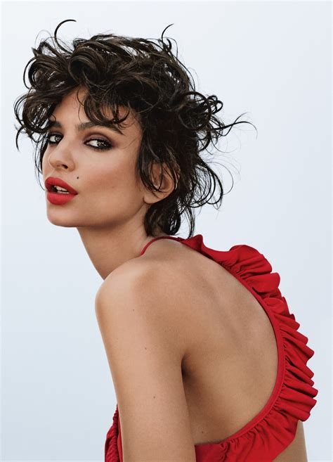 Emily Ratajkowski on Being Comfortable With Her Sexuality ...