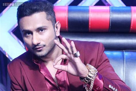 Yo Yo Honey Singh Mobile Number, Biography, Home Address