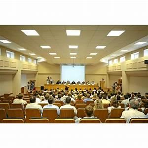 Mobilier et équipement d une salle de conférence : Disposition des meubles, câblage, acoustique