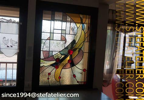 porte cuisine sur mesure vitrail moderne pour une fenêtre stef atelier vitraux d
