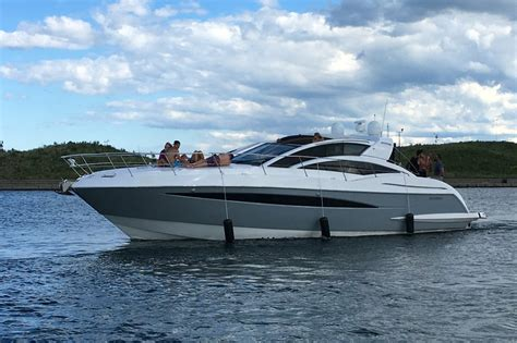 Boat Rental By Owner Chicago chicago boat rental sailo chicago il cruiser boat 5721