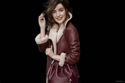 rose byrne oroton rose byrne for oroton aw16 cloutier remix