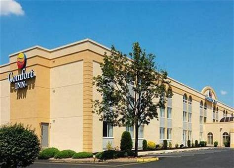 comfort inn edison nj comfort inn edison edison deals see hotel photos