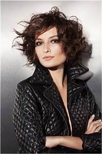 Carré Court Frisé : coiffure carre court degrade frise ~ Melissatoandfro.com Idées de Décoration