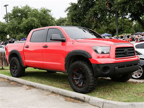 lifted toyota pickup toyota truck 2013 lifted www imgkid com the image kid