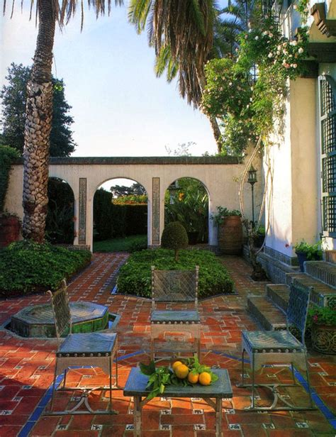 style courtyards spanish courtyard spanish colonial style homes pinterest