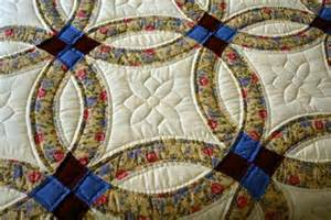 Amish Double Wedding Ring Quilt Pattern