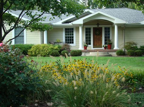 5 Curb Appeal Trends For 2016 [free Report] Lawnstarter