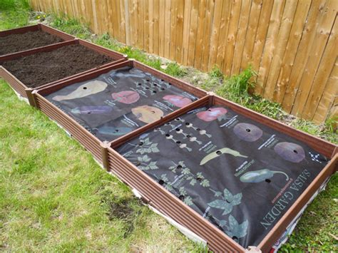 how to plant a raised bed garden with a greenland gardener