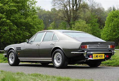 1974 Aston Martin Lagonda V8 Saloon - specifications ...