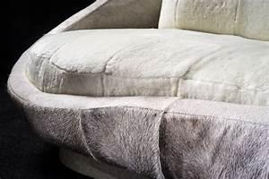 canape design 4 5 places quotsweetquot un luxueux canape With tapis peau de vache avec recouvrir un canapé en cuir avec du tissu