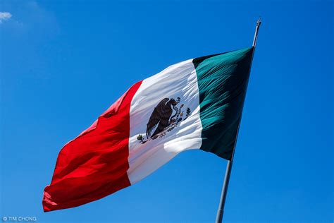 Bandera de México | The Mexican flag is seen fluttering on ...