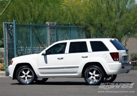 white jeep grand cherokee wheels 2008 jeep grand cherokee with 22 quot giovanna closeouts