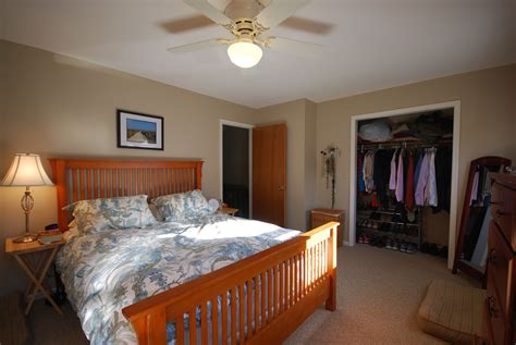 Bedroom : The Best Way Of Decorating Master Bedroom With Walk In Closet
