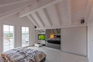 Schrank Unter Dachschräge : schrank in der dachschr ge nach mass dachschr genschrank f r kleider und hifi hinten abfallend ~ Sanjose-hotels-ca.com Haus und Dekorationen