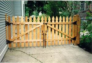How to build do it yourself wood driveway gate pdf plans complete build wooden driveway gate woodworking design solutioingenieria Image collections
