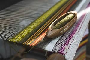 Comment Nettoyer Une Moquette : comment nettoyer un tapis ou une moquette les astucieux ~ Dailycaller-alerts.com Idées de Décoration